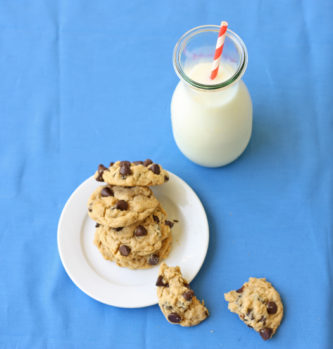 peanut butter oatmeal chocolate chip cookies 550