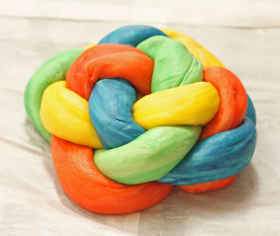 Post image for Round Woven Challah Tutorial