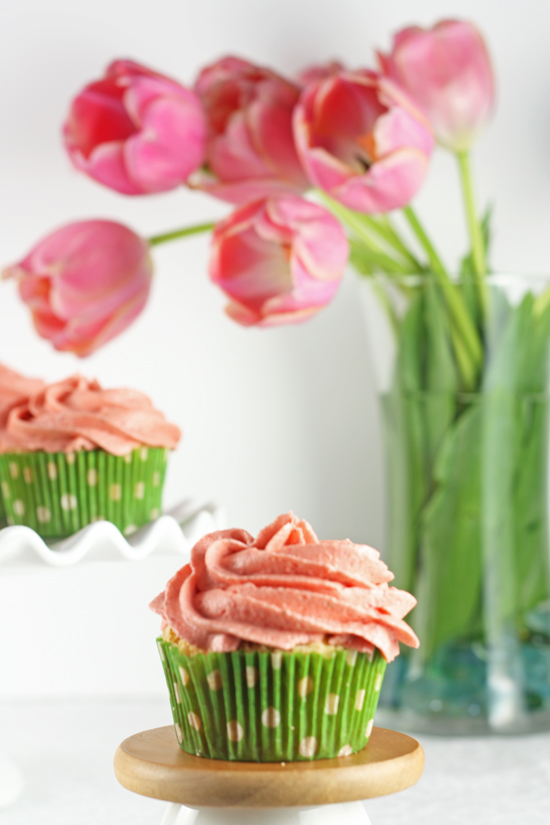 Post image for Strawberry Lemonade Cupcakes